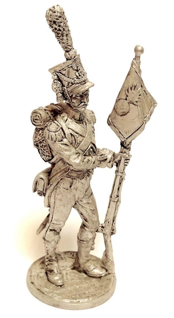 Фигурка Сержант карабинеров 8-го лёгкого полка с ротным фаньоном. Франция, 1809-12 гг. олово