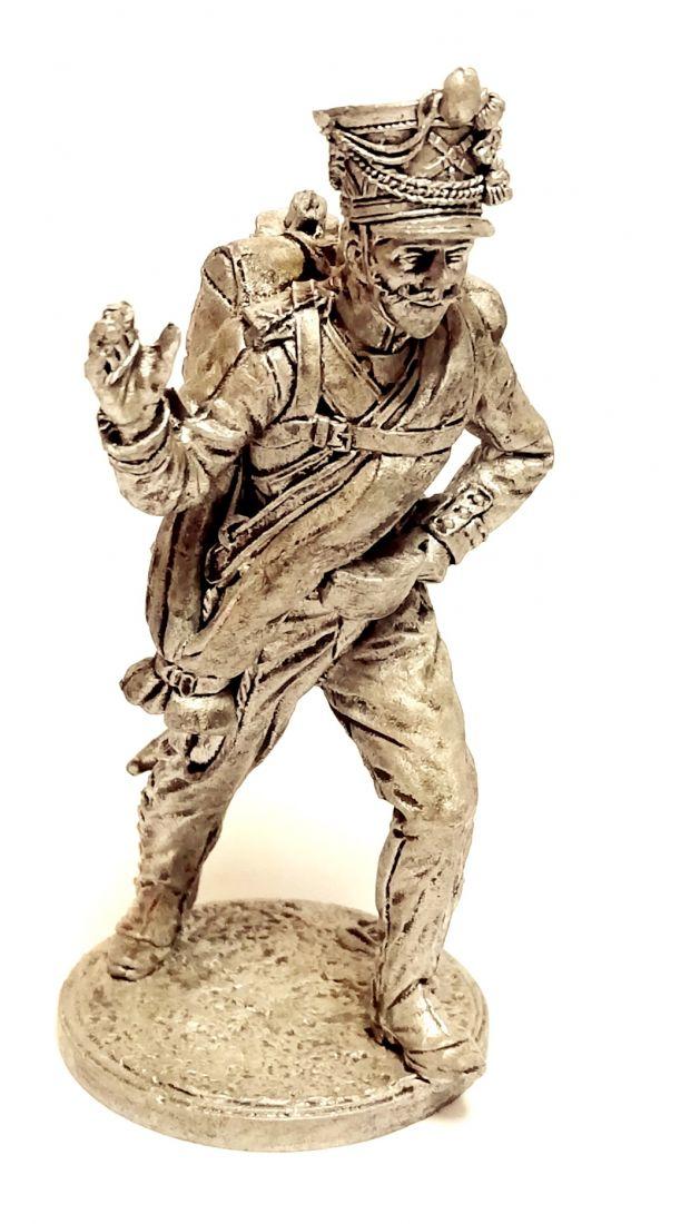 Фигурка Бомбардир армейской пешей артиллерии, Россия, 1809-14 гг. олово