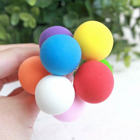 Аксессуар для куклы - Связка воздушных шаров в цветах радуги