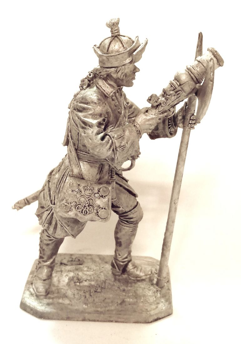 Фигурка Бомбардир Артиллерийского полка, 1708-23 гг. Россия олово