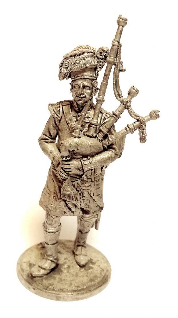 Фигурка Волынщик 92-го (Гордона) шотландского полка. Великобритания, 1815 г. олово