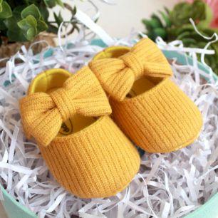 Сандалики желтые с вязаным бантом 11 см.