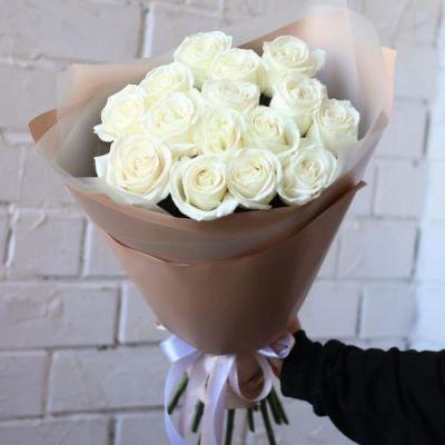 Букет из 15  белых роз Россия