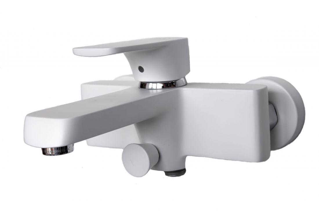 Смеситель для ванны с душем D&K Berlin.Steinbeis короткий излив белый (DA1433226)