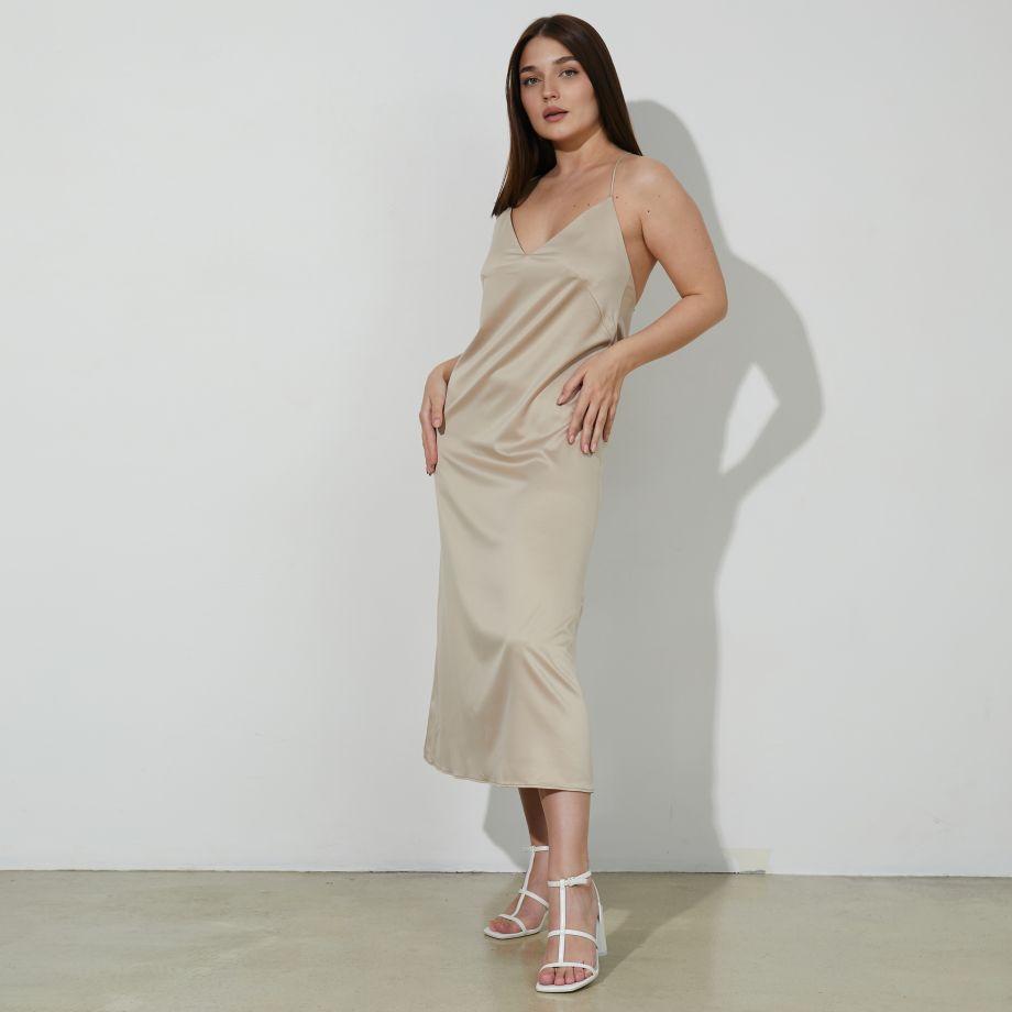 Платье-комбинация в бежевом цвете