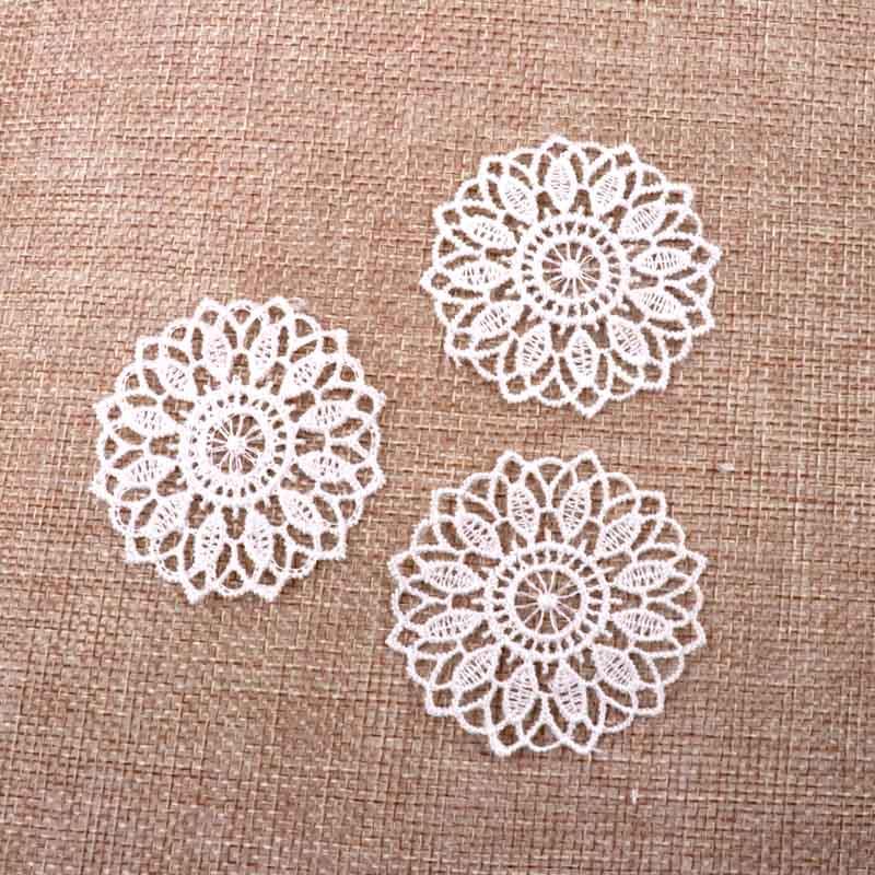 Аппликация кружевная Цветок гипюр цвет белый 2 штуки в упаковке (3018-2)