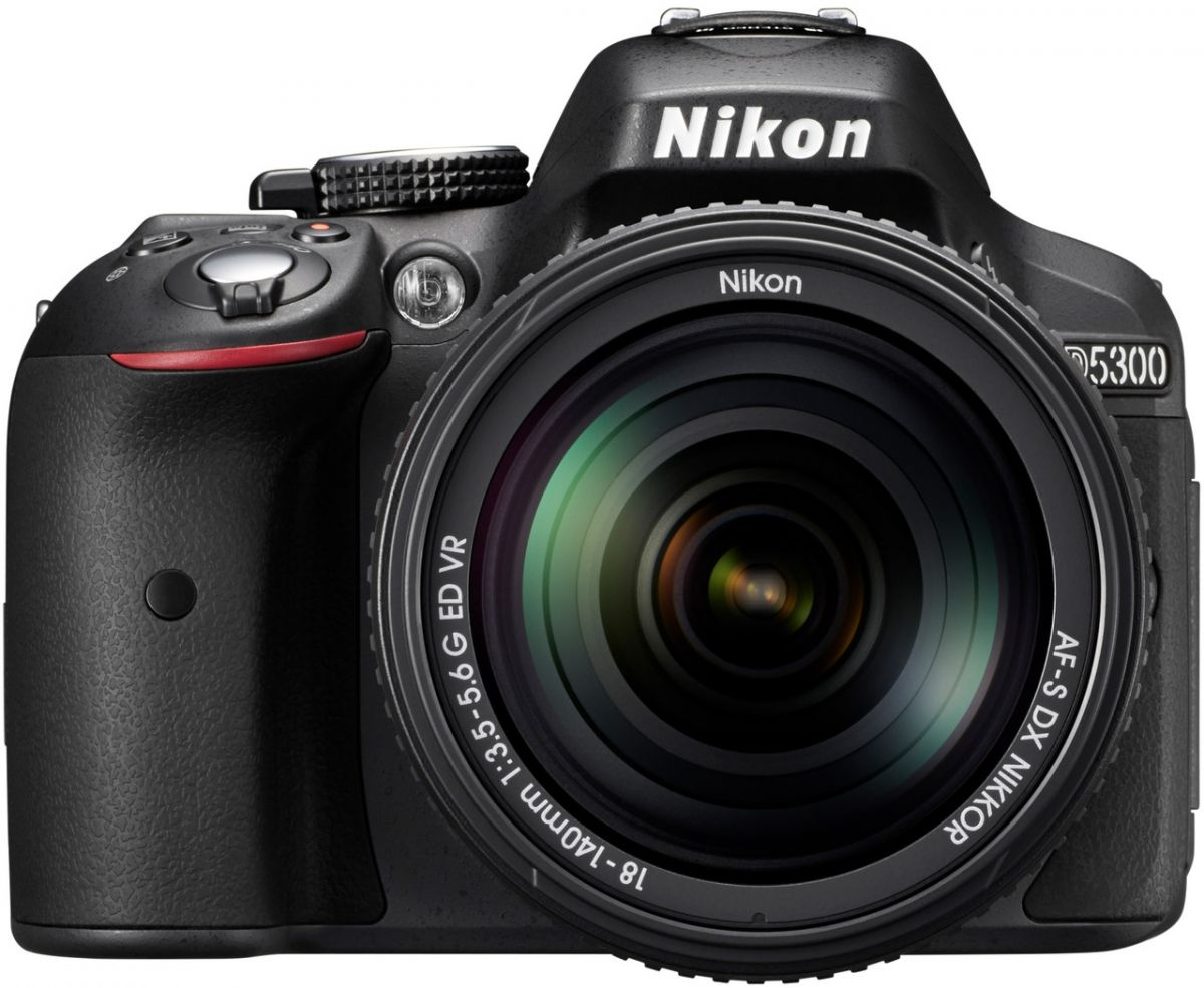 Nikon D5300 Kit AF-S DX 18-140mm f/3.5-5.6G VR