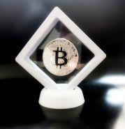 Монета Bitcoin, Биткоин криптовалюта - серебро в СУПЕР-РАМКЕ