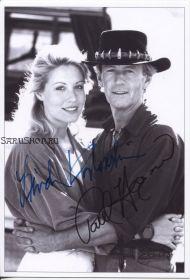 Автографы: Пол Хоган, Линда Козловски. Крокодил Данди