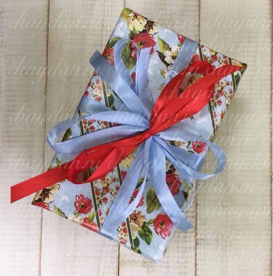 """Коробка с чаем и сладостями """"Цветы на голубом"""""""