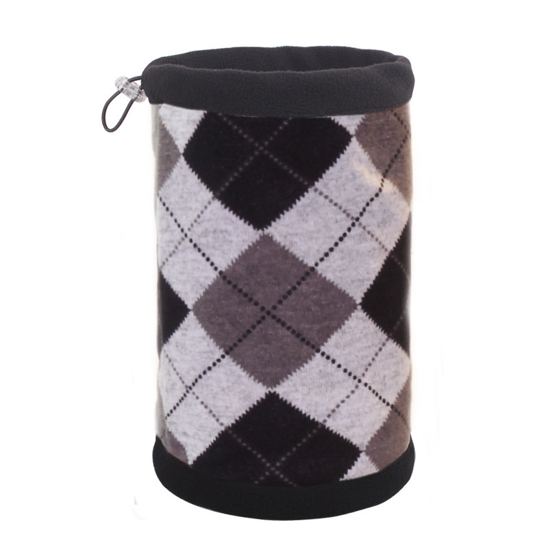 Шапка-шарф с серыми клетками