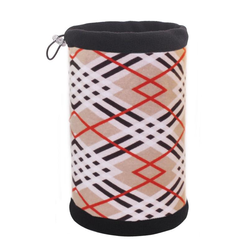 Шапка-шарф в ломаную линию