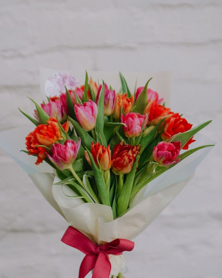 Букет цветов из 15 тюльпанов c доставкой в Комсомольске
