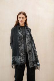 Роскошный широкий теплый шарф, 100 % драгоценный кашемир WOOD CUT BLACK AND LIGHT GREY Вуд Кат Черный и светло-серый , плотность 5