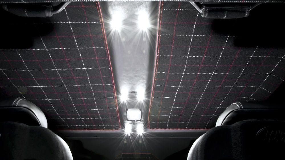 Обшивка потолка (Land Rover Defender 110)