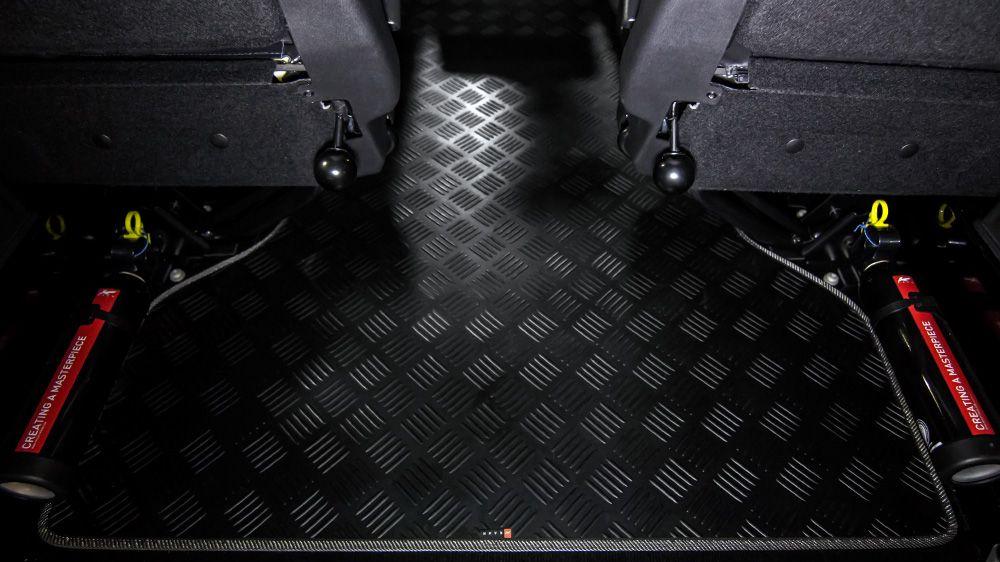 Резиновый износостойкий коврик багажника (Land Rover Defender)
