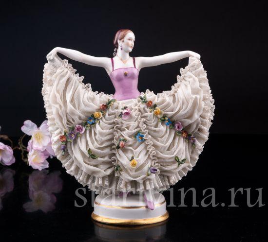 Изображение Танцующая девушка, кружевная,  Muller & Co, Volkstedt, Германия, 1907-49 гг.