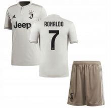 Детская выездная форма Ювентуса RONALDO (Juventus) сезон 2018-2019