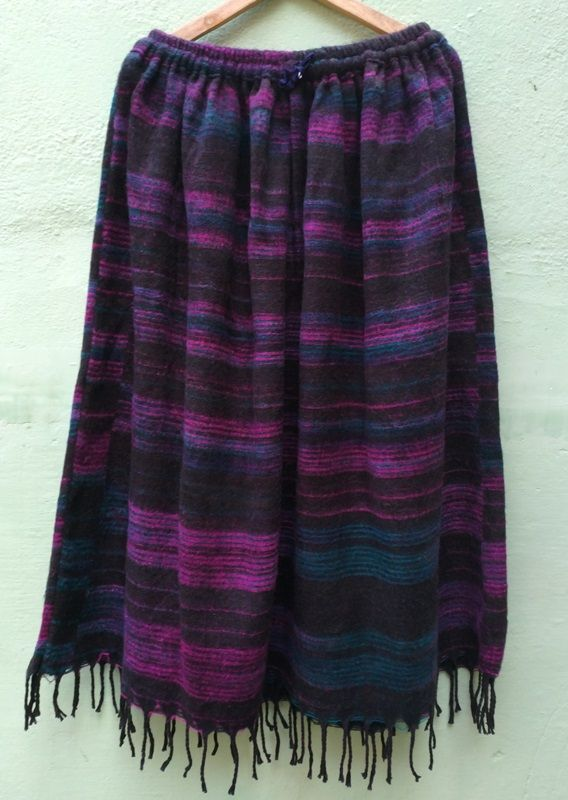 Длинная тёплая полосатая юбка, чёрная (отправка из Индии)