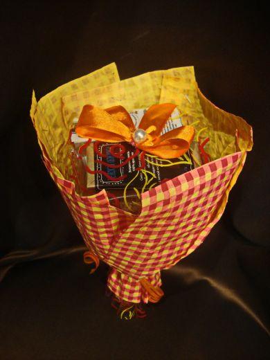 Букет с чаем и кофе - подарочный набор с чаем и кофе