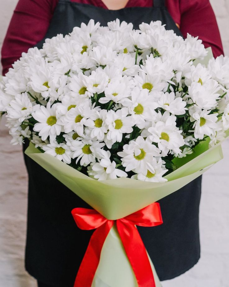 Букет цветов из 15 хризантем c доставкой в Комсомольске